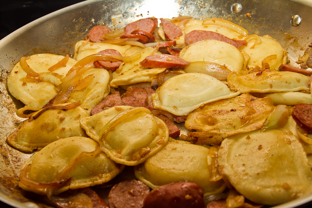 http://chengphotography.com/wp-content/uploads/2010/12/Perogies-and-Kielbasa-1-of-2.jpg